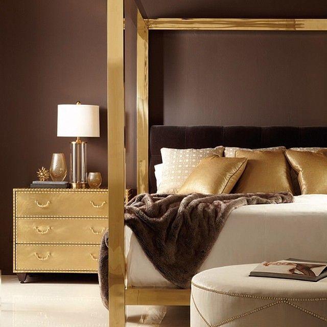 Haal de glamour stijl naar je slaapkamer met chocolade bruine wanden en goudkleurige slaapkamer meubelen via New Furniture Introductions: Bernhardt Beauties | The English Room
