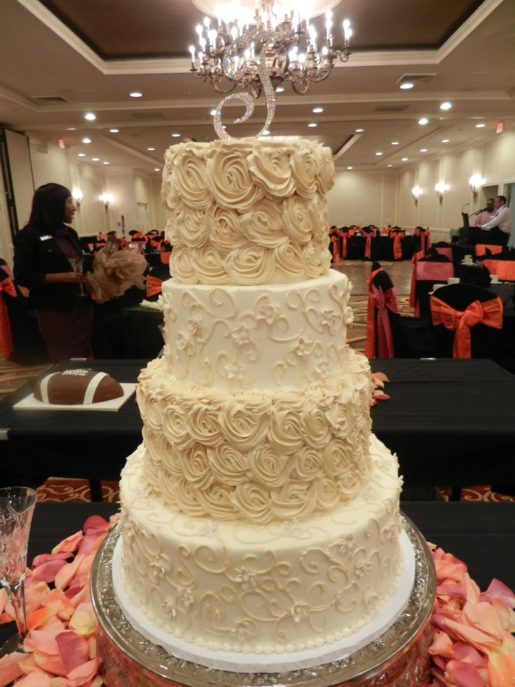 Biz Wedding Cakes Charlotte NC Champagne And White Floral Wedding Cake
