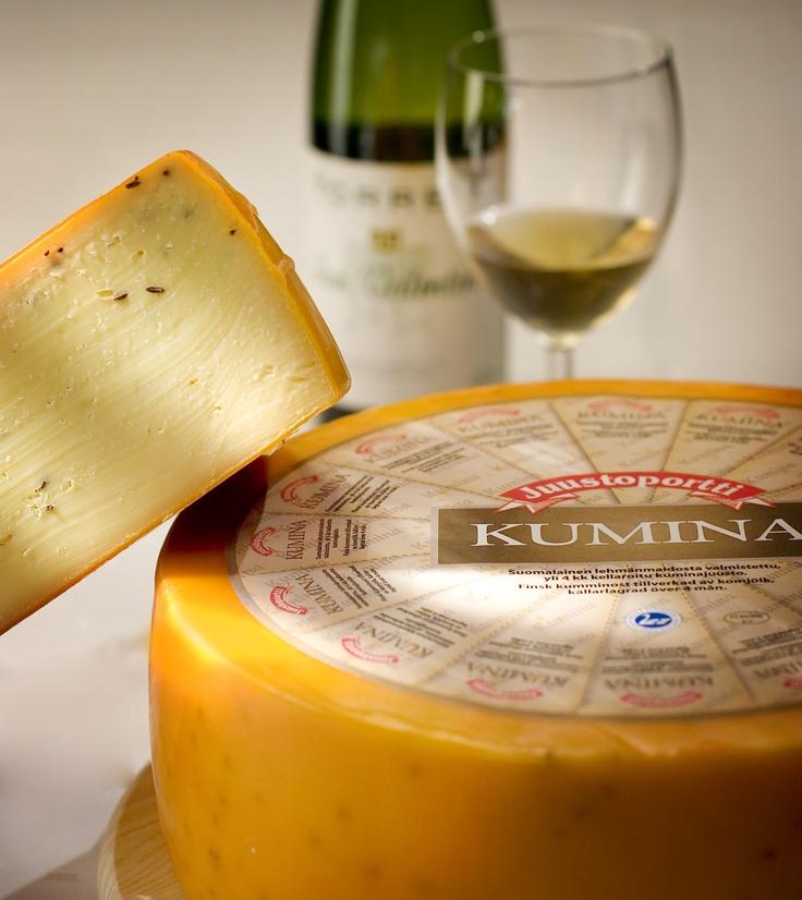 Aito kittikypsytetty juusto, joka on maustettu kuminalla.