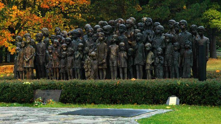 Чешская республика. Lidice. В Лидице (Чехия): памятник детскому Холокосту