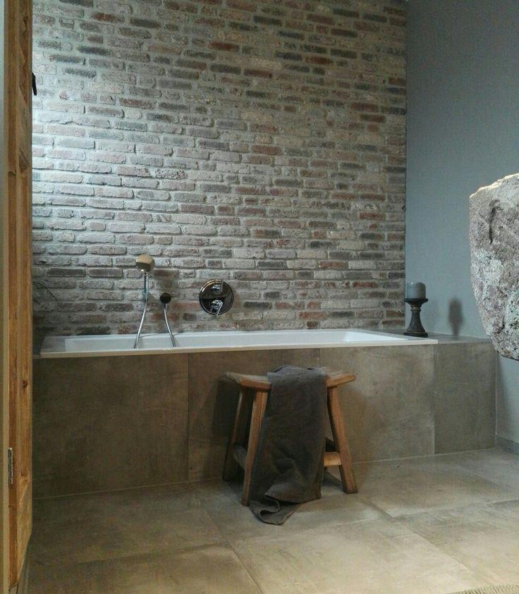 Bathroom bricks landelijk stoer sober