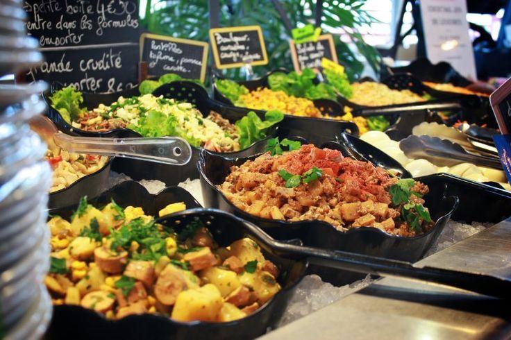 PIQUE PRUNE vous propose une cuisine bio-végétarienne gourmande et créative, inspirée des cuisines du monde, avec des produits frais de saison, et en priorité locaux. Ouvert du lundi au samedi, de 11h45 à 14h et accessible aux personnes handicapées.