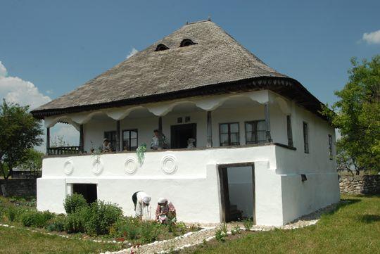 Muzeul Viticulturii si Pomiculturii de la Golesti, Arges