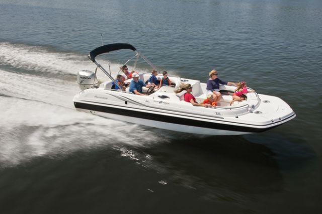 2014 Hurricane Sun Deck Sport. Great cruising boat for the family. You can tube ad ski with this boat. Seats have folding back rests for a super comfortable ride! #MountPleasant #FreedomCHS