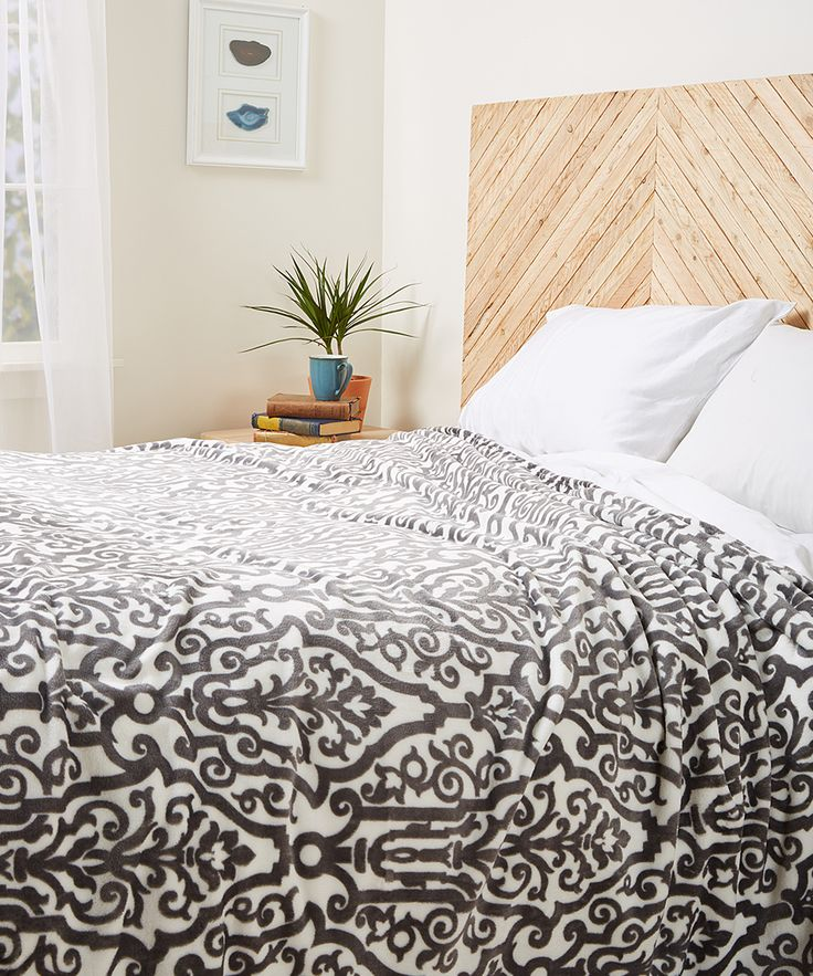"""S.L. Home Fashions Gray Bennington Blanket 