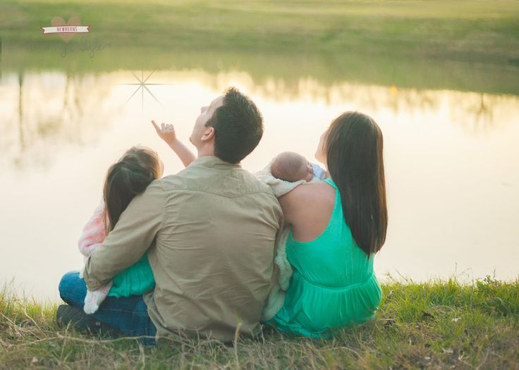 Whimsy & Style photography: Bryan College Station-Texas: natural lifestyle newborn photography: family with newborn by lake