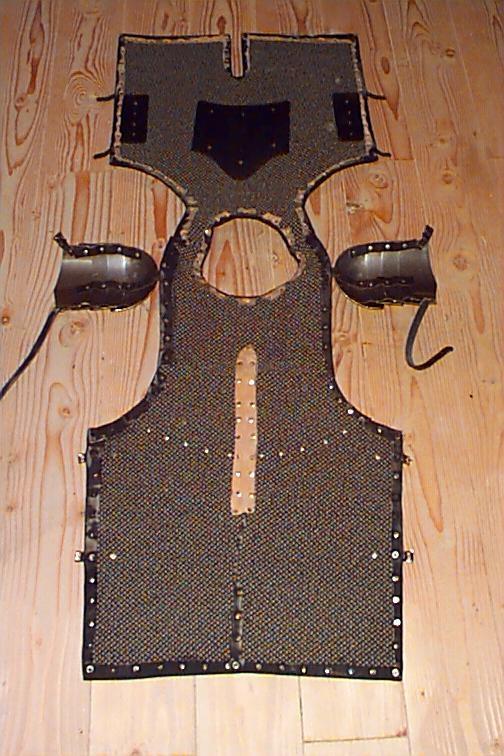 http://digital.cs.usu.edu/~watson/bartholomew/barmor.htm  Carpet Armor back