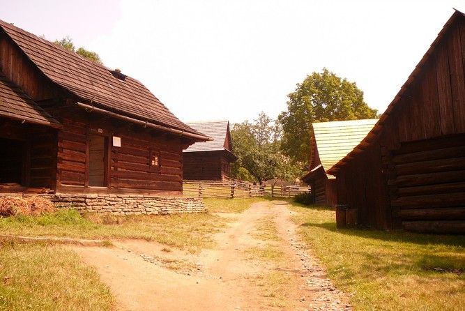 Skanzen Rožnov pod Radhoštěm - Valašská dědina (Skanzen) • Mapy.cz