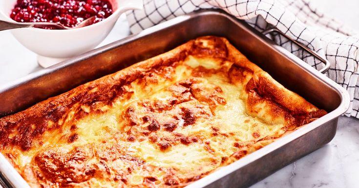 Vispa ihop en fluffig ugnspannkaka och njut med rårörda lingon. För lite mer sälta, blanda ner stekt, tärnat sidfläsk i smeten eller servera med baconskivor.