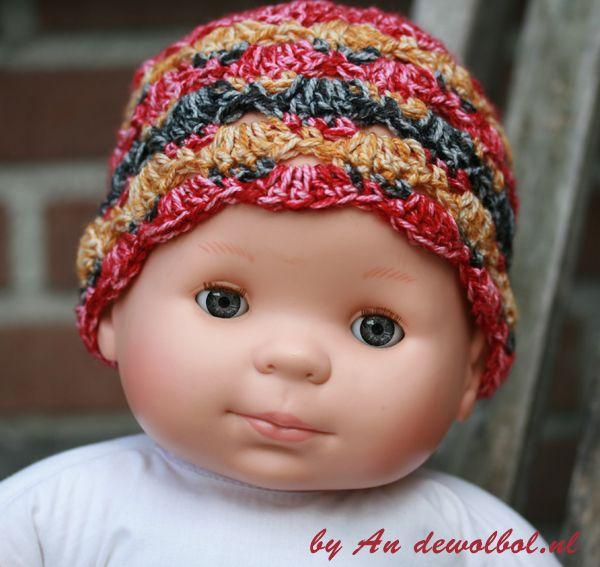 Babymutsje Velvie | de wolbol Baby mutsje Velvie  met gratis patroon  #scheepjeswol #scheepjesvelvet