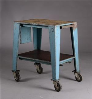 Vara: 3182858Værkstedsbord med hjul