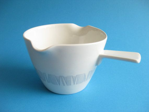 Vintage Sauce / Butter / Gravy Boat  by Rörstrand by DieGelbeJacke