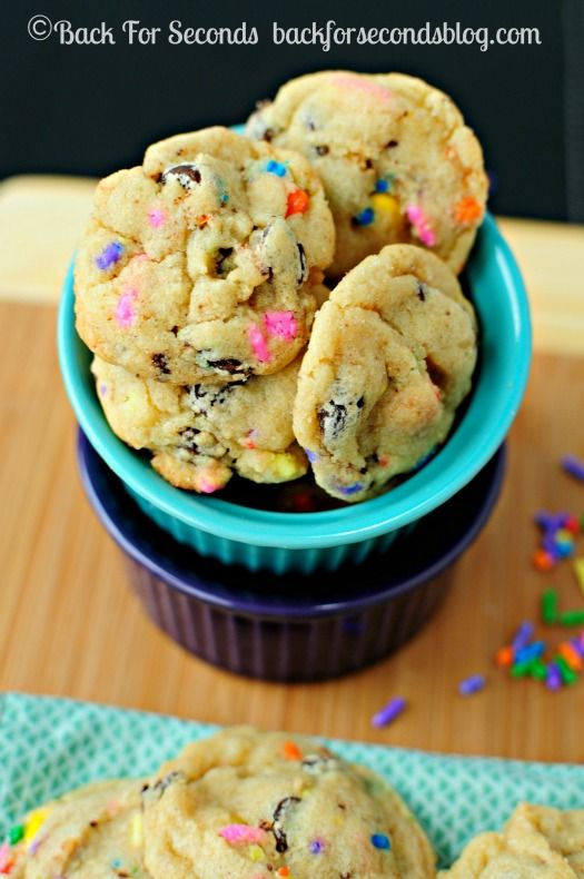 Soft and Chewy Funfetti Birthday Cake Cookies - Cake batter cookies (made without cake mix)! Http://backforsecondsblog.com  #funfetti #sprinkles #cakebattercookies