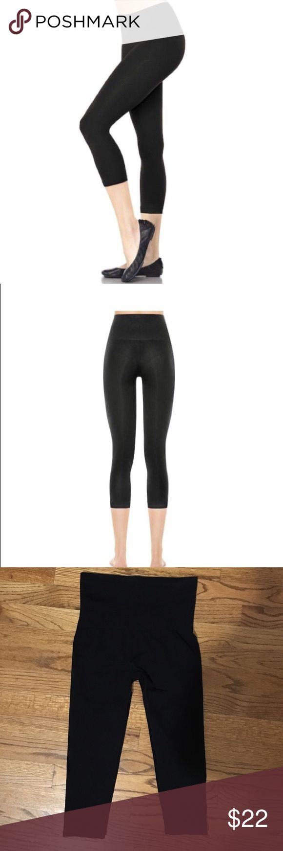 """Assets by Spanx cropped legging Perfect condition (worn and laundered once). I am 5'5"""" and these hit a little higher on my calf than shown in the picture. 92 nylon, 8 spandex. Smoke-free, pet-free home. Assets By Spanx Pants Leggings"""