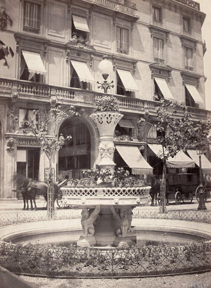 Fontaine Davioud Place de la Madeleine