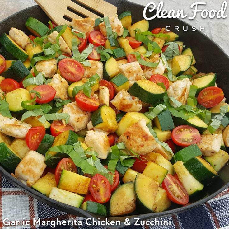 Garlic Margherita Chicken with Zucchini http://cleanfoodcrush.com/garlic-margherita-chicken/