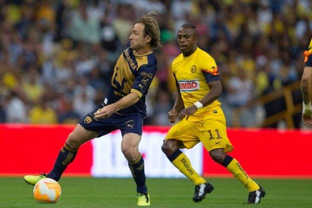 Los Pumas de la UNAM cayeron frente al América 1-0 en el Estadio Azteca  ante poco más de 80 mil aficionados, dentro de la Jornada 15 del Torneo de Clausura 2013 de la Liga MX.    Con este resultado el equipo dirigido por Antonio Torres Servín se queda con 23 puntos, que los ubican en el sexto lugar general, en zona de entrar a la Liguilla, mientras que el equipo comandado por Miguel Herrera llegó a 29 unidades y aseguró su pase a la siguiente fase.