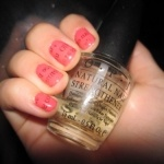 Newspaper Nail Art - How to: Dip DRY painted nail in alcohol for 10 seconds, firmly press on a small strip of newspaper and hold for 20 seconds, remove newspaper and you're done!