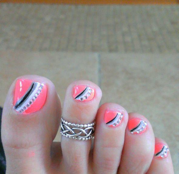 muchos estilos para uñas de los pies                                                                                                                                                      Más