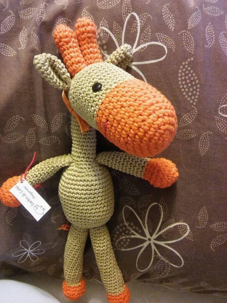 Jirafa tejida crochet