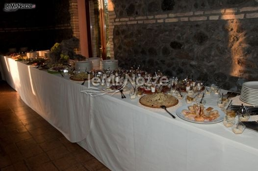 http://www.lemienozze.it/operatori-matrimonio/luoghi_per_il_ricevimento/agriturismo-matrimoni-a-roma/media/foto/14  Buffet di nozze per il ricevimento del matrimonio