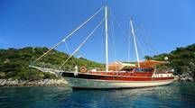 Would you like to explore Turkey toroughout from bustling destinations like Istanbul, Cappadocia and Ephesus  and cruise the Turquiose Coast.