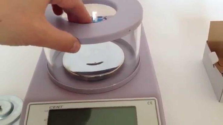 http://www.boustens.com/balanza-electronica-precision-cent/ La Balanza electrónica de precisión a compensación magnética, modelo CENT, puede determinar el peso en miligramos con una capacidad máxima desde 210g hasta 10,200g (según el modelo) y una resolución desde 0,001g hasta 0,1g.