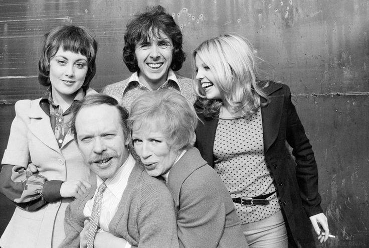 Man About The House cast Paula Wllcox Richard O'Sullivan, Sally Thomsett, Brian Murphy and Yootha Joyce