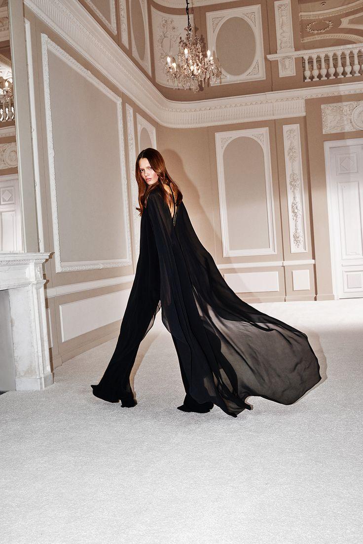 La Mania Spring/Summer 2016 collection - jumpsuit RUSO / cape GONNI