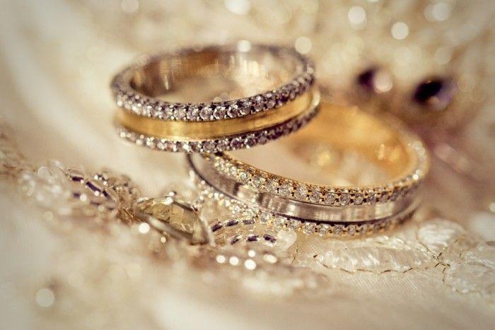 Свадебные аксессуары: обручальные кольца для жениха и невесты #свадьба #обручальныекольца #кольца #мода #аксессуары