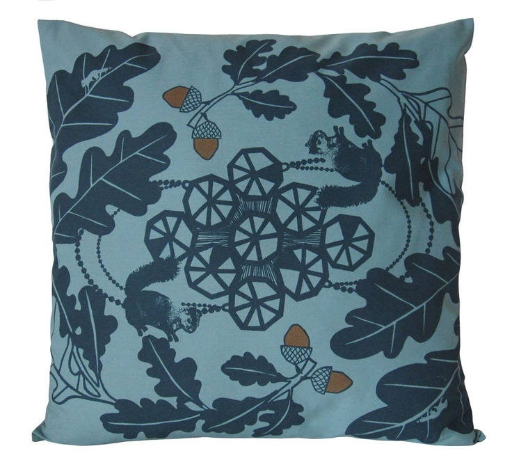 Oakleaf Cushion