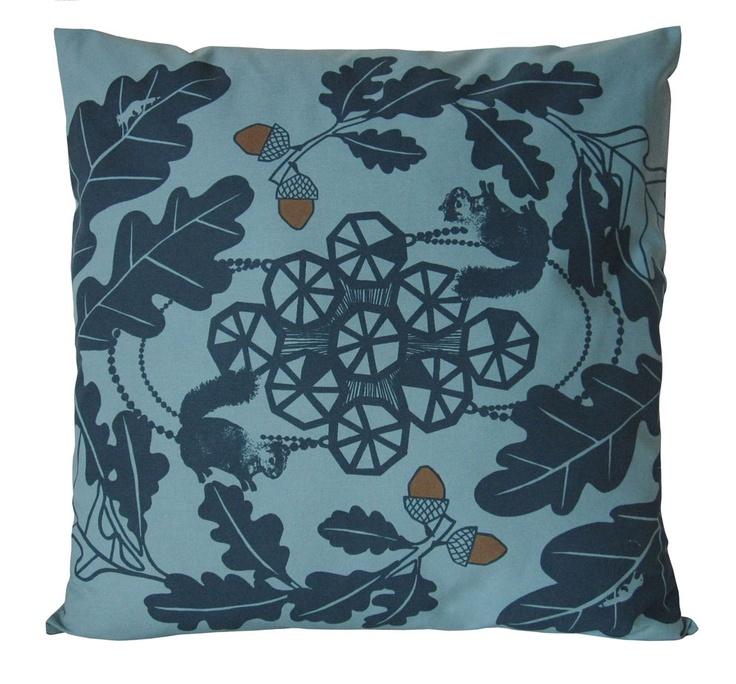 Oakleaf Cushion