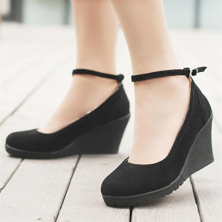 Most Popular Patterns For ladies footwear online India @  http://www.fashionindustrynetwork