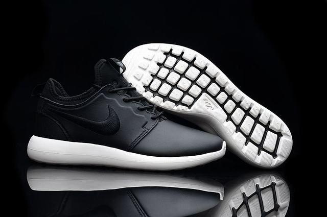 chaussures de séparation bb677 1ce11 nike roshe run magasin nike roshe two homme noir et blanche ...