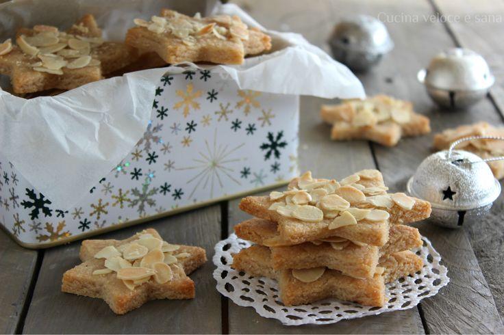 Stelline alle mandorle,biscotti di Natalefacili da preparare, senza uova e senza burro. Dolcetti aromatici e profumati, un'idea regalo per Natale.