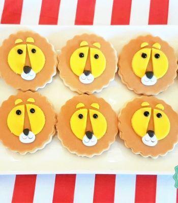 biscotti a forma di leone per un compleanno con tema Circo