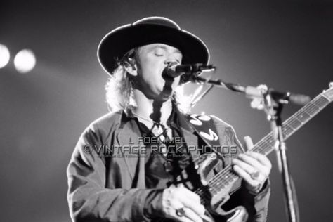 Vintage Rock Photos > Vaughan, Stevie Ray > 1989, Nov 3rd - Cobo Hall (Cleveland, OH)