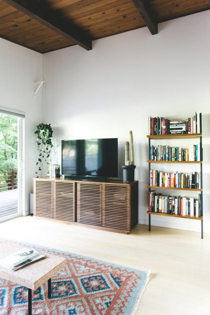 Mid century modern living room ideas moreover ranch style house with - 25 Best Midcentury Ranch Ideas On Pinterest Mid Century Ranch Large House Numbers And Midcentury House Numbers