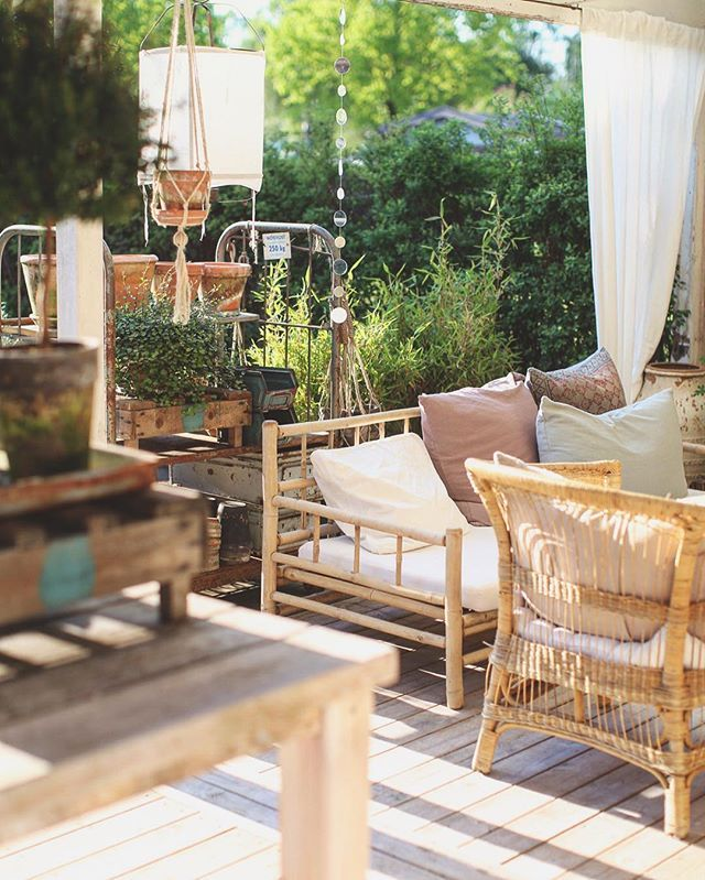 R O S E  O ' C L O C K  Vädret som aldrig sviker en premiär på @restaurangsalt ☀️ #micasa #terassen #outdoor #pergola #rattan #bambu #summer #terrace #home #house #instagood #instadaily #white #sun #bohemian #boho