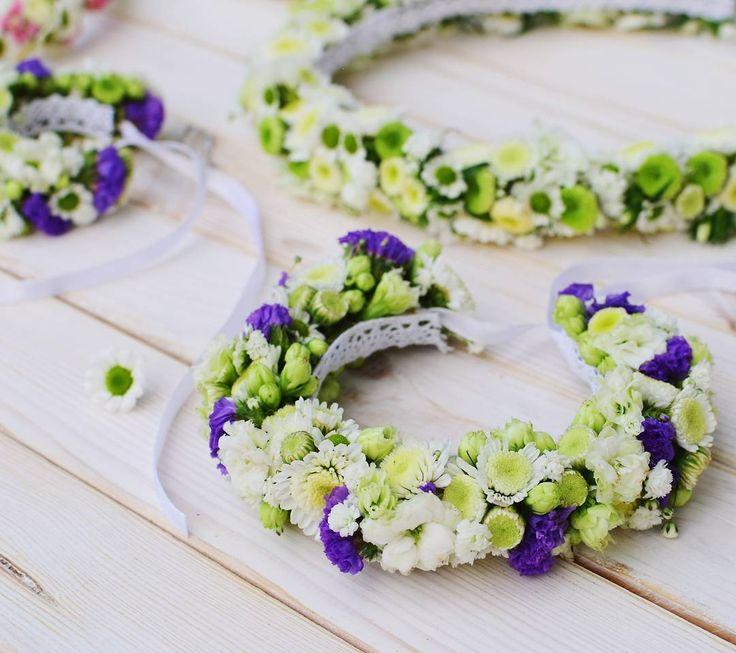 Wreathlove!   Jutro kolejna tura wiankowego komunijnego maratonu  fot. @monikabartz_photo    #wianki #wianek #wianuszek #wianekkomunijny2017 #wreath #wreathlove #floralcrown #floralheadband #headbands #kwiatywewłosach #komunia2017 #pierwszakomunia #instaflower #flowerstagram #friday #psiepole #psiepoletakiepiekne #wroclove #wroclaw #kwiaciarnia #kwiaciarniafloris