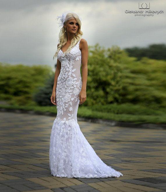 www.DeFotografe.eu LOVES a lace wedding dress ...