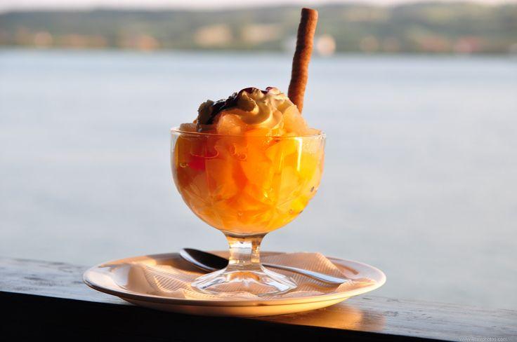 Owocowy deser, którego nigdy nie jest za wiele. Źródło: http://www.4freephotos.com/