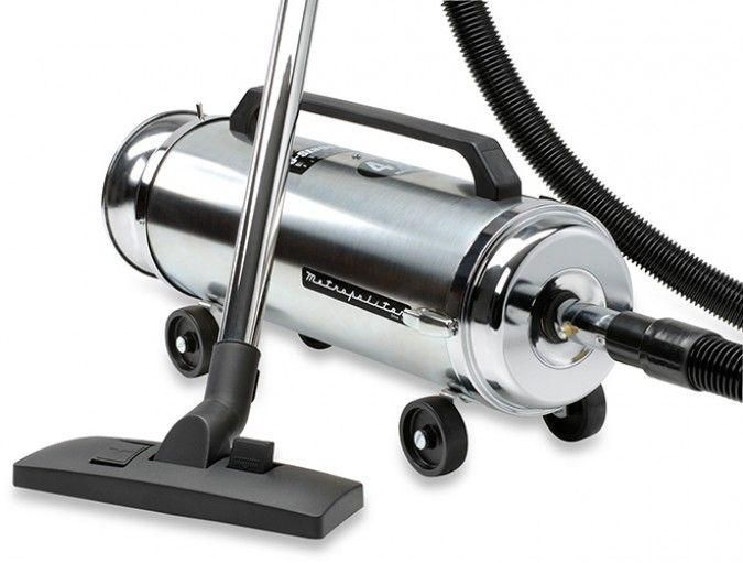 how to clean out a vacuum