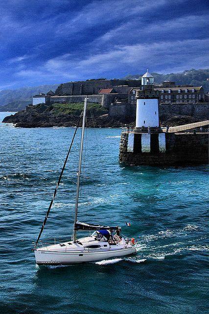 Guernsey - puerto de San Pedro / faros