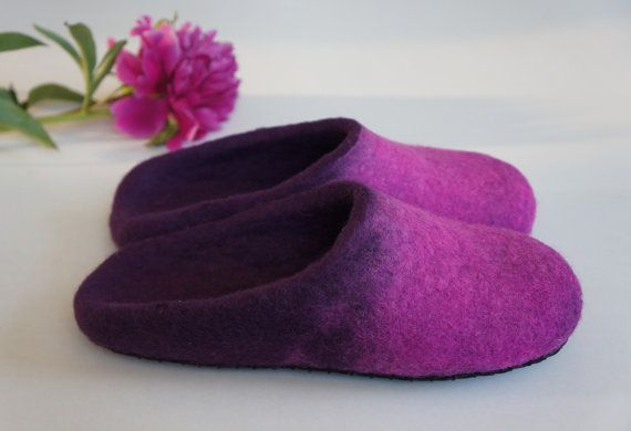 Felt slippers Peony for women. 100% natural wool. от ingosfeltshop