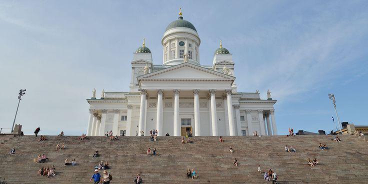 北欧フィーカ|フィンランド・ヘルシンキの旅|白夜に輝くヘルシンキ大聖堂とマーケット広場。|Scandinavian fika.