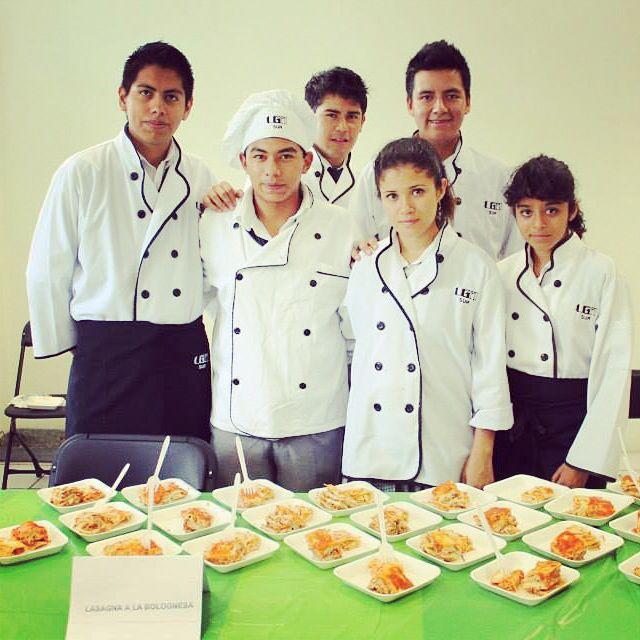 #lasagna #bolognesa #Ugmex #Pluviosilla #muestragastronomica #gastronomia