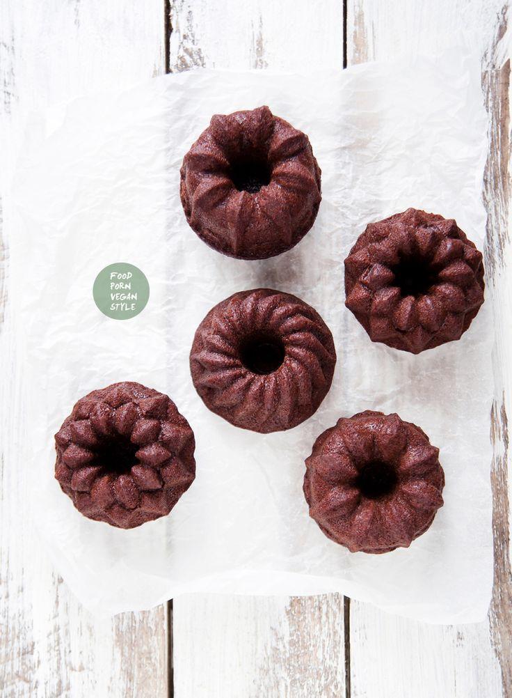Vegan gingerbread mini bundt cakes (2 options, one with soy protein powder and one without) / Wegańskie babeczki piernikowe (wersja z proteinami sojowymi lub bez)