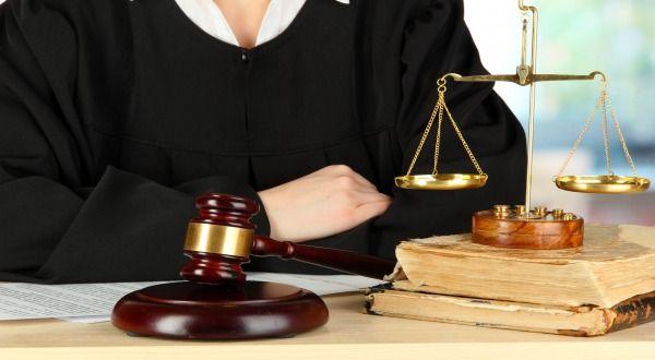 Si segnala la sentenza n. 129/2016  del Tribunale di Ravenna , che affronta e decide una controversia avente ad oggetto ambito e limiti di copertura della polizza ...