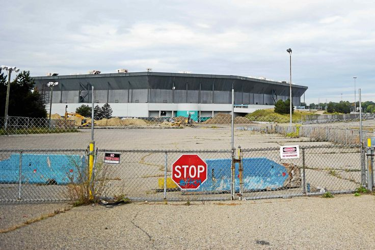 Demolition date set for Pontiac Silverdome - Pontiac Demolition Professional -  Demolition of the Pontiac Silverdome is set to kick-off on Sunday, Dec. 3 with a bang. A partial implosion of the 20-foot, steel band that once held the 80,311-seat stadium's inflatable roof in place will take place on that day, with plans to host a public viewing event during the implosion...   http://www.dependabledemolition.com/blog/demolition-date-set-pontiac-silverdome-pontiac-demolition-p